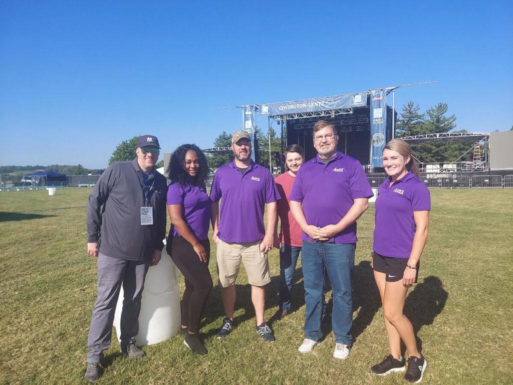Amyx Employees Volunteer for Veteran Benefit Concert